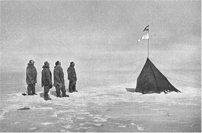 Picture Of Roald Amundsen And His Crew